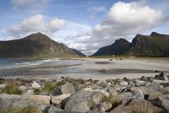 Flakstad海滩, Lofoten海岛,挪威, Scandinav 免版税库存图片