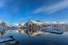 Flakstadoya, isole di Lofoten, Norvegia immagine stock