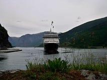 Flam端口和Aurlandsfjorden 免版税库存图片