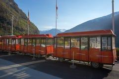 Flam, Норвегия, отсутствие людей, старого красного трамвая показывая на вокзале Стоковое Изображение RF