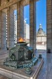 Flama eterno no Monumento um la Bandera. Imagem de Stock