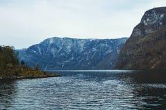 Flama, Norwegia, Europa Piękna Norweska wieś z górami Zdjęcie Stock