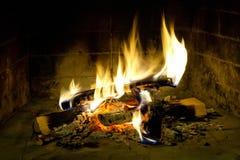 Flamas do incêndio em uma chaminé Fotografia de Stock