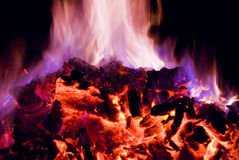 Flamas roxas e azuis do incêndio Fotos de Stock Royalty Free
