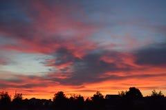 Flambage pré-lever de soleil orange et rouge photos libres de droits