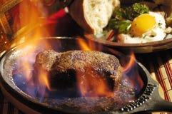 Flambe della bistecca Fotografie Stock