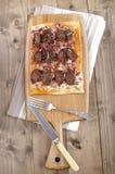 Flambee hongrois de tarte avec le kolzbasz Photos stock