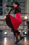 Flamenco de Alba Lucera en un funcionamiento de la danza Fotos de archivo