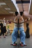 Flamencolehrer Miguel Vargas in der Flamencokunstmitte 'La Merced 'in Cadiz lizenzfreie stockbilder
