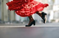Flamencotänzer an der Straße stockfotografie