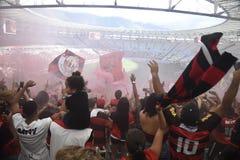 Flamengo tłum świętuje przy Maracanã stadium obrazy royalty free