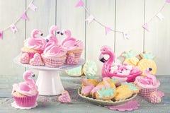 Flamingoananasplätzchen lizenzfreies stockbild