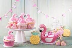 Flamingoananasplätzchen lizenzfreie stockfotografie