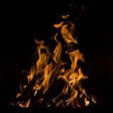 flamm svart detaljbrand för bakgrund slapp vertical för goda viktig Royaltyfri Foto