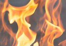 Flamma av brand som bakgrunden Arkivfoton