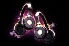 Flammande hörlurar Musikaliskt begrepp Arkivfoton