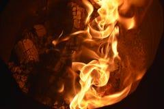 Flammar eller avfyrar royaltyfri bild