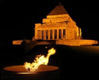 Flamme éternelle au tombeau Image libre de droits