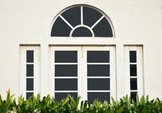 Flamme blanche de fenêtre Photos stock