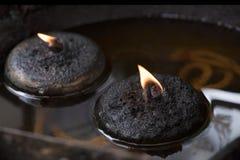 Flamme dans des lampes à pétrole Images libres de droits