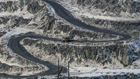 Flamme dans la carrière sur des exploitations minières Photos stock