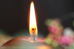 Flamme de bougie   Photo stock