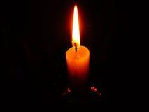 Flamme de bougie brûlante Image stock