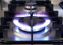 Flamme de gaz sur le four Image libre de droits