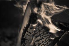 Flamme lumineuse de feu defocused toned Photo libre de droits