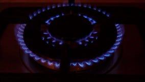 Flammen im Ofen-Brenner stock video