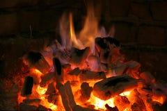 Flammen von einem Kamin Lizenzfreies Stockbild