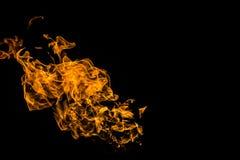 Flammes d'incendie sur le fond noir le feu sur le fond noir d'isolement Mod?les du feu photo libre de droits