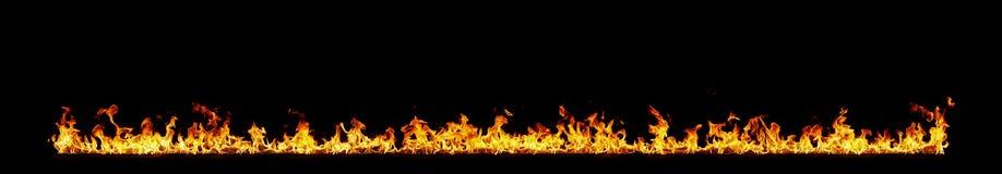 Flammes d'incendie sur le noir photographie stock libre de droits