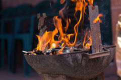 Flammes de charbon de bois photos libres de droits