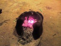 Flammes en Desi Chulha Photos libres de droits