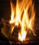 Flammes et braises Image libre de droits