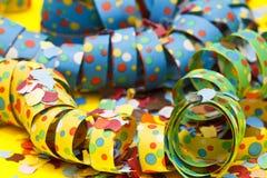 Flammes et confettis photo libre de droits