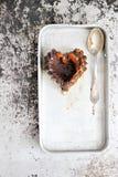 Flan del cioccolato con caramello salato Immagini Stock