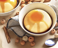 Flan, dessert espagnol traditionnel Photo libre de droits