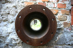 Flangia arrugginita del tubo Immagini Stock