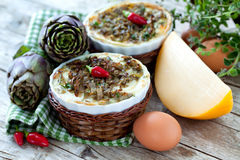 Flans végétaux avec les artichauts et le fromage Image libre de droits