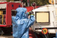 Flaque chimique après accident de la route Photos libres de droits