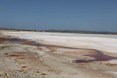 Flaque dans le rivage de plage illustration de vecteur