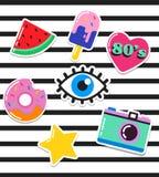 Flarden, de spelden, de kentekens en de stickers van de pop-artmanier de elegante Stock Foto