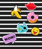 Flarden, de spelden, de kentekens en de stickers van de pop-artmanier de elegante Stock Foto's