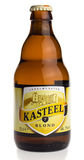 Flasche blondes Bier Belgier Kasteel Stockfoto