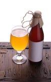 Flasche Handwerksbier Lizenzfreies Stockfoto