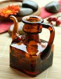 Flasche mit dem Schmieröl, aromatherapy lizenzfreie stockfotografie