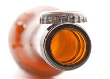 Flasche mit einer Metallschutzkappe Lizenzfreies Stockbild