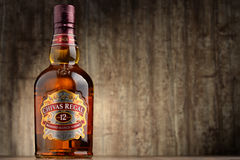 Flasche von Chivas Regal 12 mischte schottischen Whisky Stockbild
